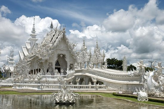 Chiang Rai Private Tour: Oup Kham Museum, White Temple & More