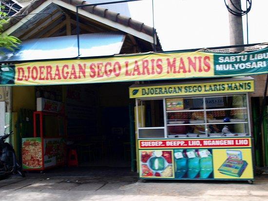 """East Java, Indonesia: Depot """"Djoeragan Sego Laris Manis"""""""