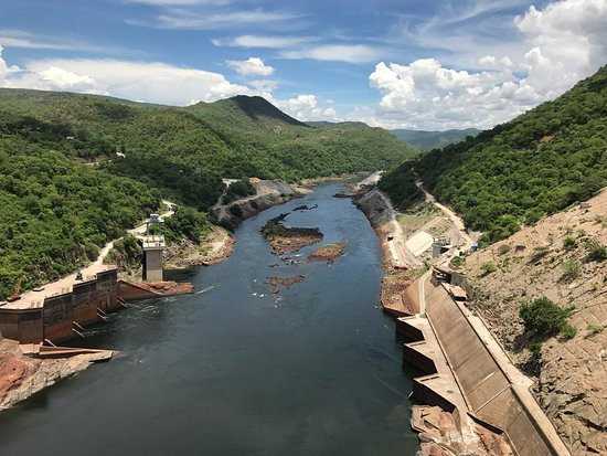Kariba Dam wall- Dec 2016