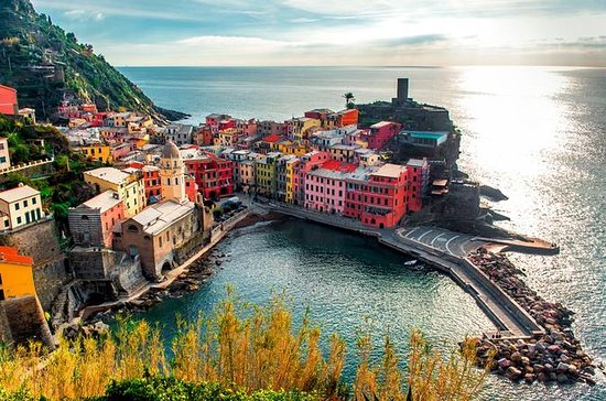 Cinque Terre Full-Day Tour with Lunch...