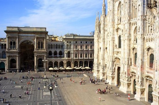 Skip the Line: Essential Milan Tour...