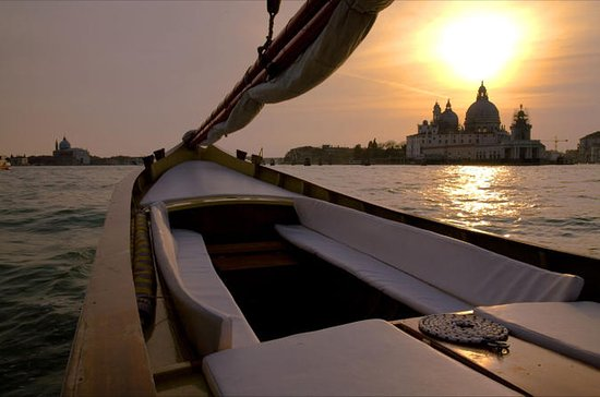 Venice Sunset Cruise by Typical...