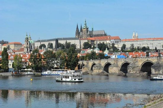 Prague Castle, Castle District 3-Hour...