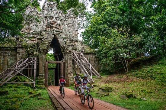 Angkor Temples Bike Tour from Siem ...