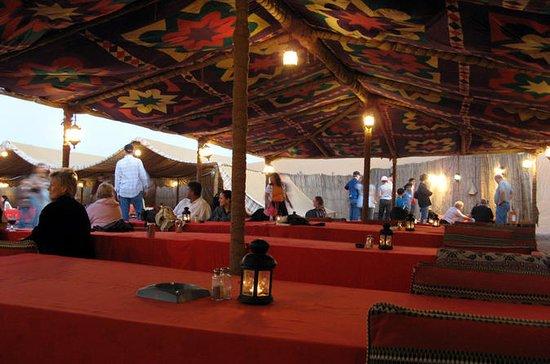 Safári em acampamento de deserto ao...