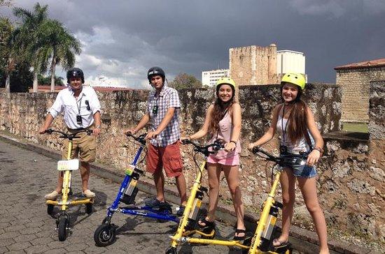 Tour della città in trikke a Santo