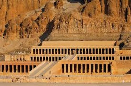 Small Group Tour by Bus to Luxor West...