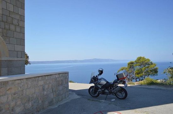 1200cc Motorcycle Rental from Turda