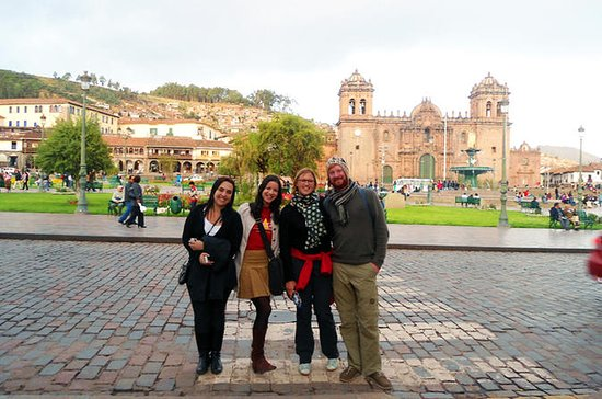 Tour a pie privado por Cuzco: Museo...