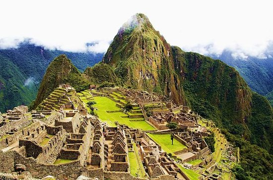 Private Tour: Sacred Valley and Machu