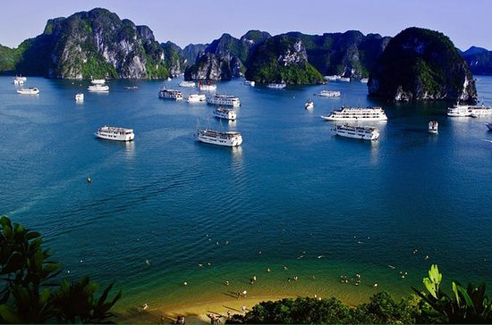 Halong Bay Day Cruise to Sung Sot...