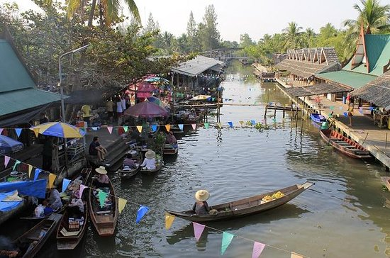 Private Tour to Thaka Floating Market...