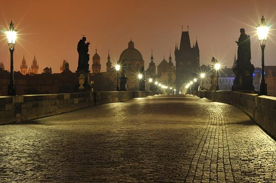 Prague Small-Group Photo Tour at Dawn With Local Professional...