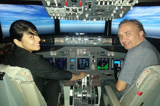 Tampa Bay Boeing 737 Flight Simulator...