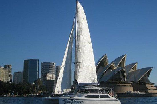 Alquiler de yate de lujo o catamarán...