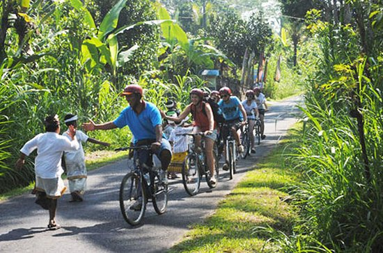 Half Day Lombok Bike Tour - Pengsong...