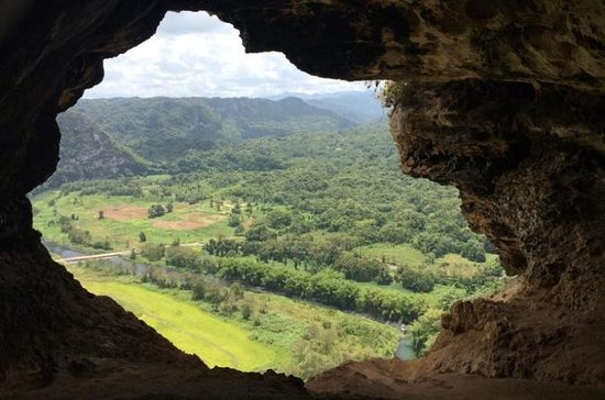 Window Cave and Indian Cave Combo Hiking Tour from San Juan