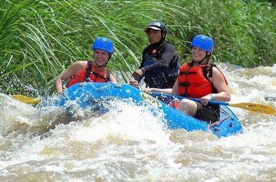 Clase III Rafting en aguas bravas...