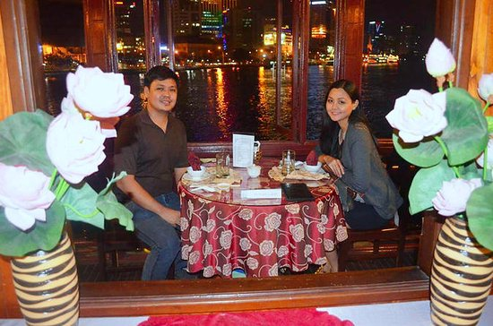 Saigon by Night: Crucero con cena...