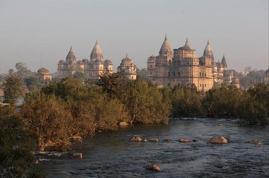 Exploring the Hidden Beauty of Orchha...