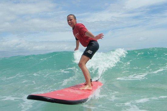 Byron Bay Surfing Lesson con el...