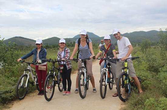 Thuy Bieu Cycling Tour with Lunch