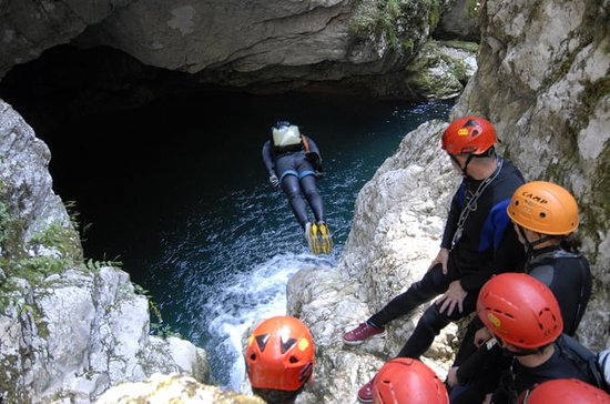 Canyoning in Nevidio Canyon