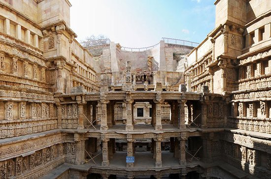 Private Tour: Full-Day Stepwells Tour...