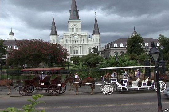 New Orleans by Coach: Katrina, French Quarter, Graveyard