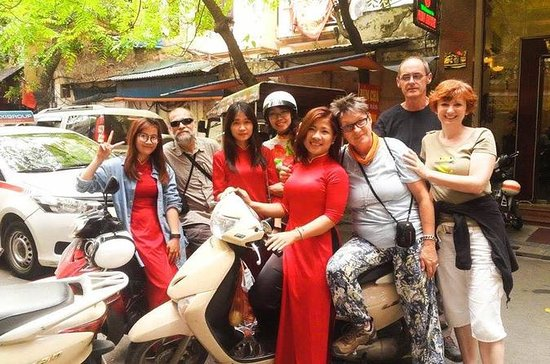 Half-Day Hanoi Food Tour by Motorbike