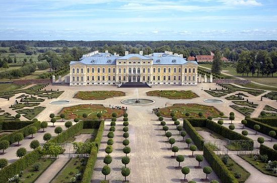 Full-Day Rundale Palace Tour fra Riga