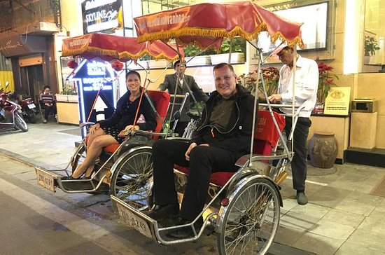 Hanoi Cyclo City Tour with Water Puppet Show and Hotel Pickup