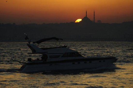 Bosphorus Sunset Cruise on a Private Yacht