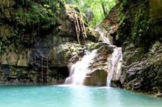 Santiago Outback Jeep Safari and Waterfalls Tour with Lunch
