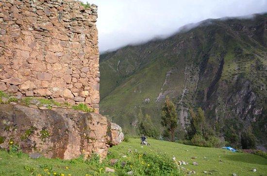 Caminhada nas ruínas de Pumamarca...