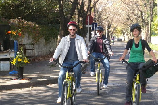 6-Hour Bike Tour from Buenos Aires to...