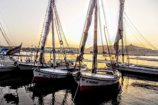 1-Hour Private Felucca Cruise on the...