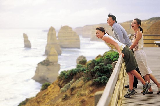Small-Group Great Ocean Road and 12 Apostles Full-Day Tour from...
