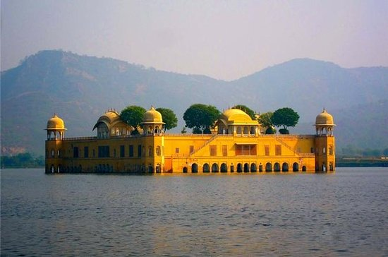Private 2-Day Jaipur Tour from Delhi