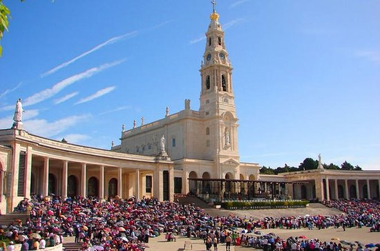 Fátima Private Tour Full Day from...