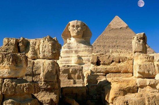 Private Guided Day-Tour to Giza and...
