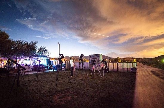 Star Gazing Tour al Pioneer Saloon di