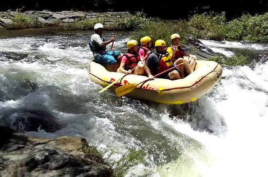 Rafting Class III and IV in Tenorio...