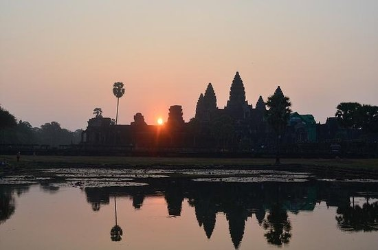 Full-Day Angkor Tour by Tuk Tuk from