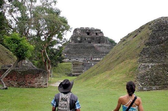 Ridetur til Xunantunich Maya Ruins...