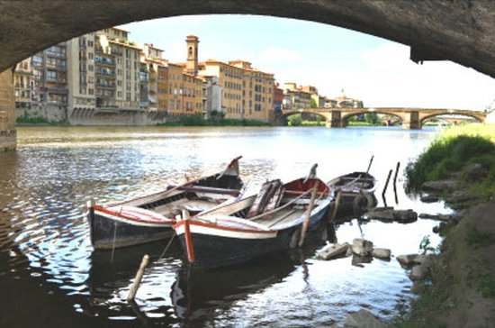 Florence River Cruise on a Traditional Barchetto