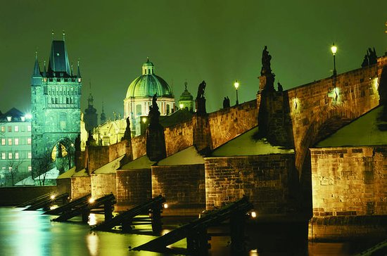 Three-Hour Dinner Cruise on Prague's...