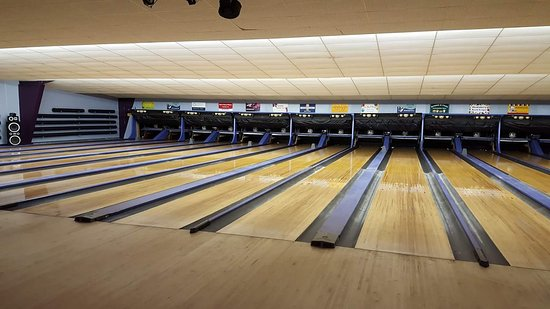 Huckleberry Lanes