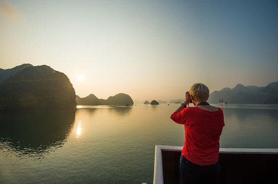 Bootsfahrt zur Halong-Bucht...