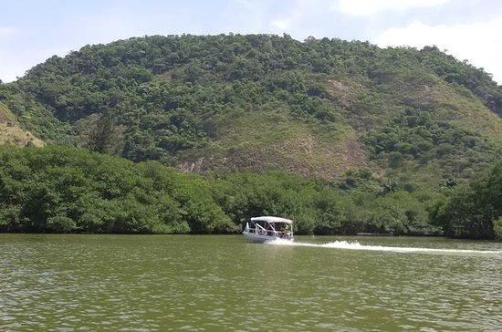 Visite touristique en bateau du lac...